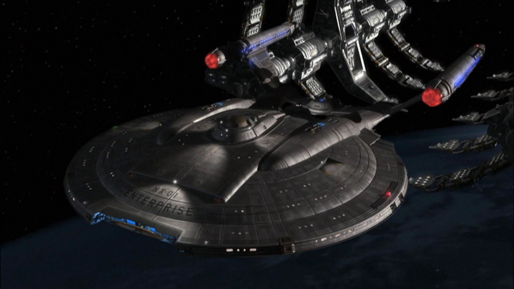 Enterprise_(NX-01)_leaving_drydock